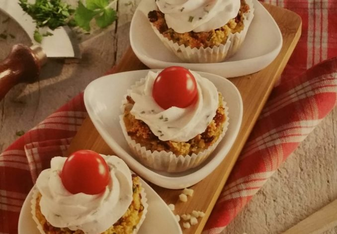 Couscous-Cupcakes mit Koriander-Topping